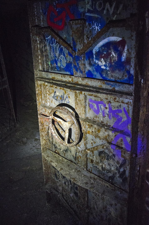 Catacomb2_Door_8705.jpg