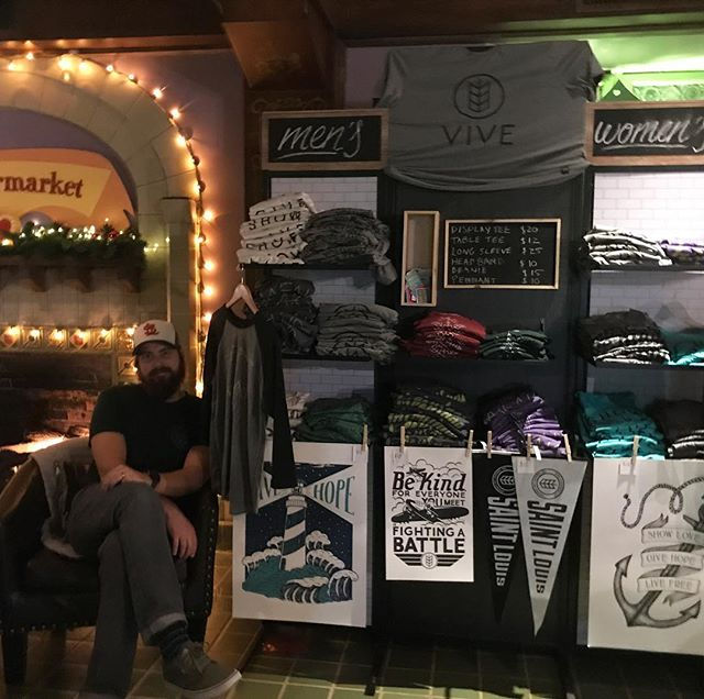 All set up @strangefolkfestival wundermarket @dasbevo we will be here today till 6 and tomorrow 10-3. I hope you keep me busy or I'll sit by this fire all day. - - #stl #stlouis #viveclothing #bekind #christmasmarket #wundermarket #strangefolk #screenprinting #design #vibrantlylive