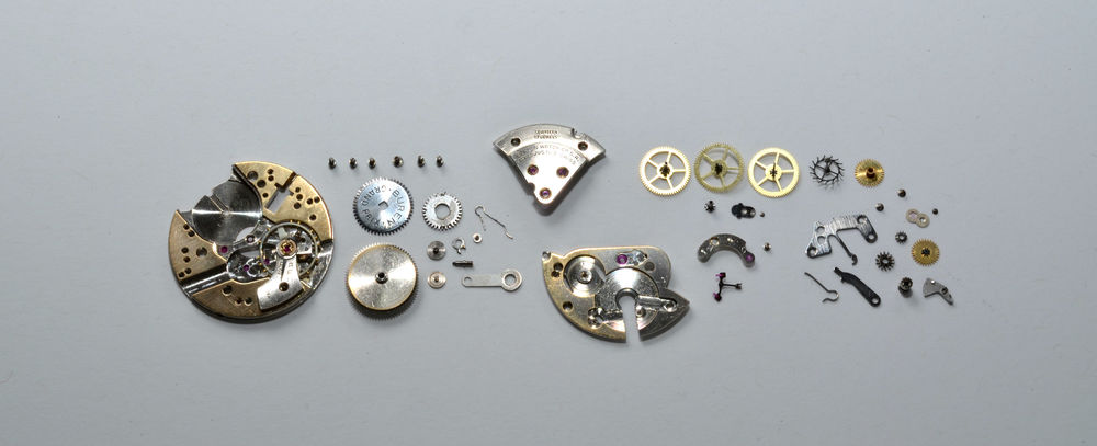 The Buren 481 disassembled.