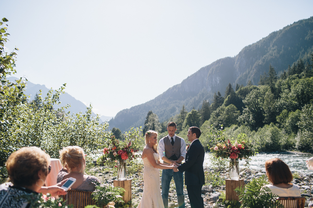 jess-hunter-photography-seattle-mountian-elopement-intimate-wedding-alaska-wedding-43.jpg