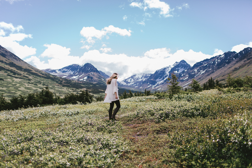 Photo by Jess Hunter, Anchorage Alaska wedding & elopement photographer, Chugach mountain range, Anchorage mountain portrait sesssion, adventure photography, elopement locations in Alaska, Jessica  L. Hunter