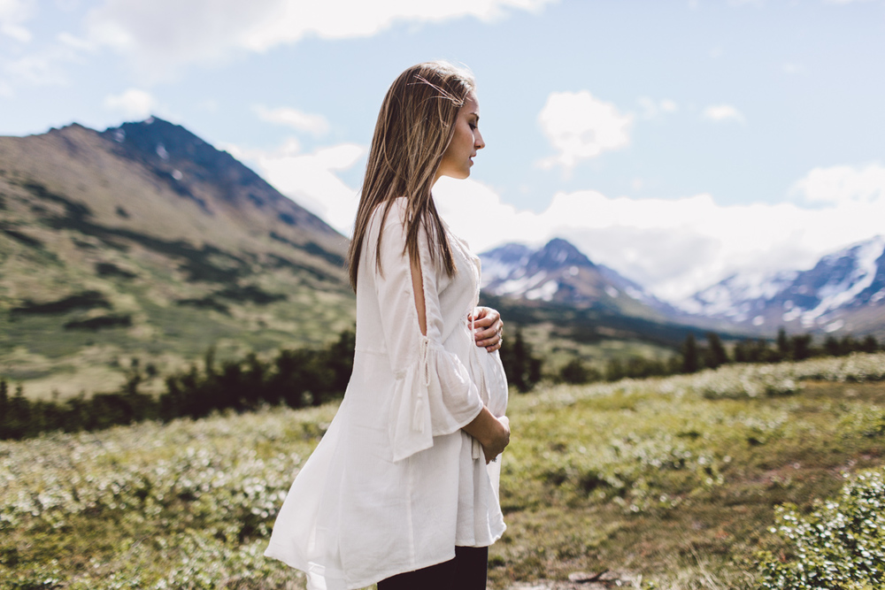Photo by Jess Hunter, Anchorage Alaska wedding & elopement photographer, Chugach mountain range, Anchorage mountain portrait sesssion, adventure photography, elopement locations in Alaska, Jessica L. Hunter, mountain maternity session in Alaska, Seattle wedding & elopement photographer