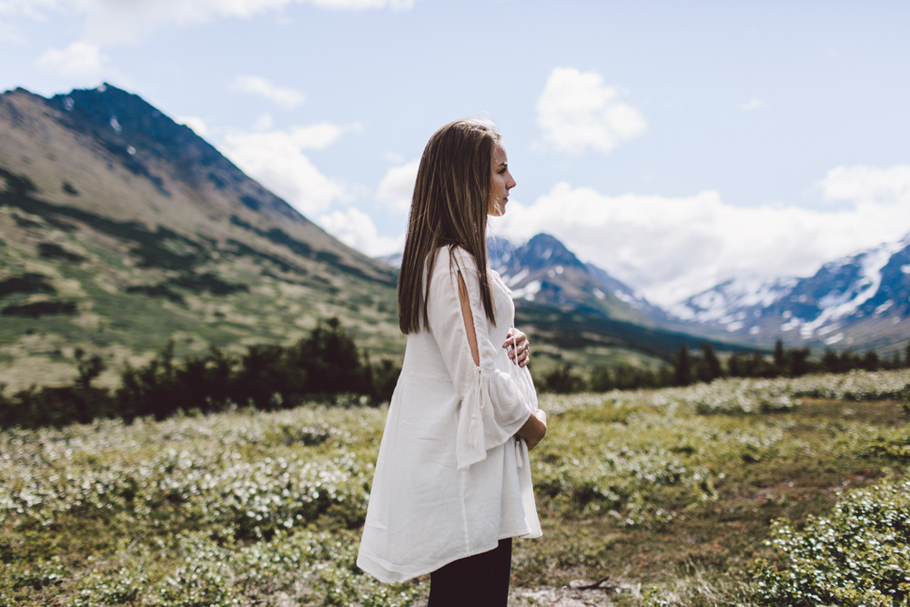 Photo by Jess Hunter, Anchorage Alaska wedding & elopement photographer, Chugach mountain range, Anchorage mountain portrait sesssion, adventure photography, elopement locations in Alaska, Jessica L. Hunter, mountain maternity session in Alaska