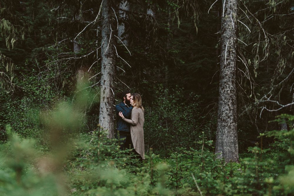 photography by Jess Hunter, pacific northwest mountain engagement photos, artistic wedding photography, Seattle elopement and wedding photographer, Portland elopement photographer, destination elopement in Washington state