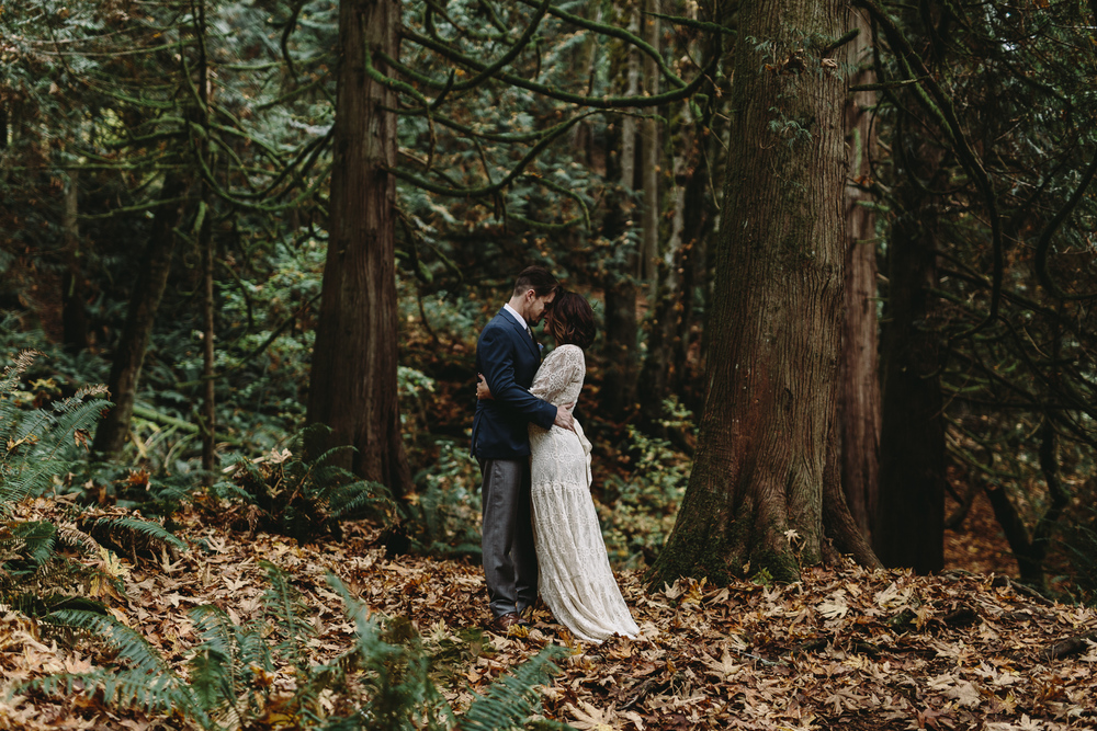 jess-hunter-woodland-elopement-pnw-0768.jpg