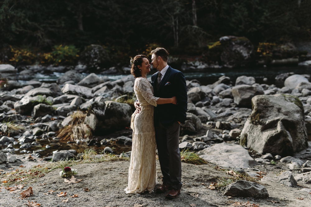 jess-hunter-woodland-elopement-pnw-1100.jpg