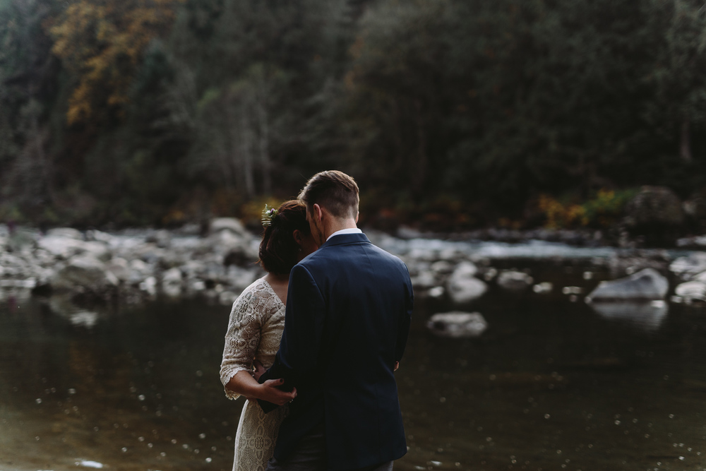 jess-hunter-woodland-elopement-pnw-1153.jpg