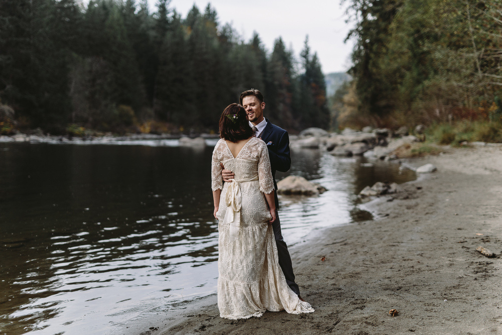 jess-hunter-woodland-elopement-pnw-1170.jpg
