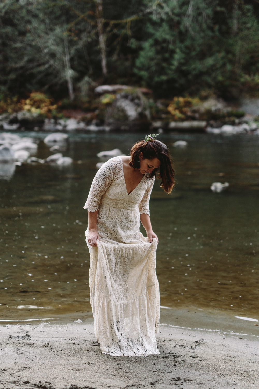 jess-hunter-woodland-elopement-pnw-1185.jpg