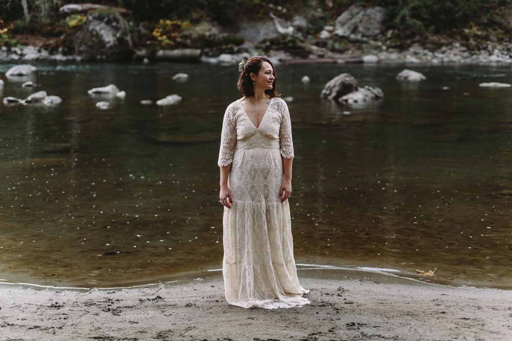 jess-hunter-woodland-elopement-pnw-1189.jpg
