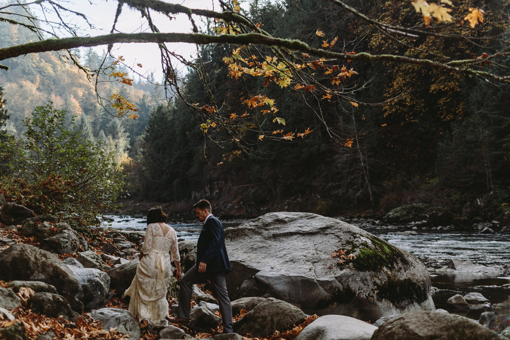 jess-hunter-woodland-elopement-pnw-1254.jpg