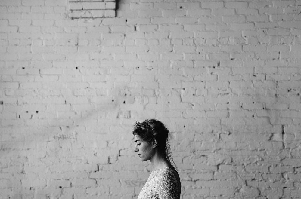 jess-hunter-industrial-seattle-warehouse-wedding-20.jpg
