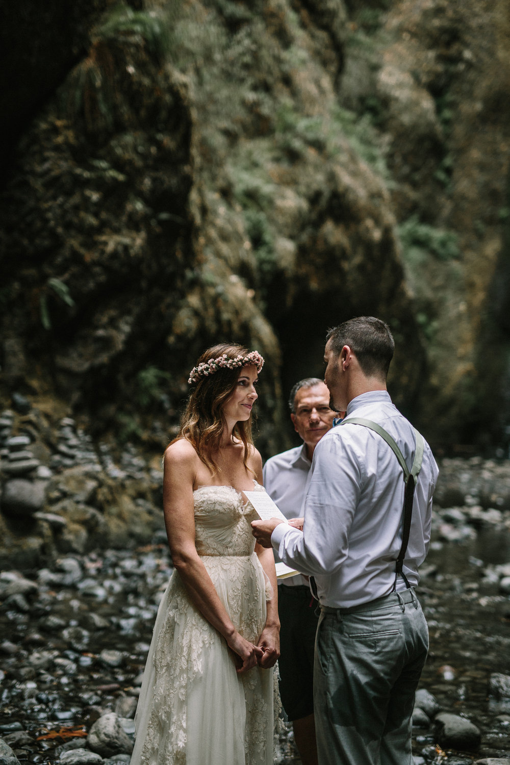 jess-hunter-columbia-gorge-oregon-elopement-photographer-0764.jpg