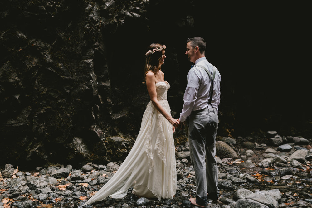 Oneonta Gorge, Oregon, Columbia River Gorge, adventurous Oregon elopement photographed by Jess Hunter, places to elope in Oregon,  Sarah Seven bride in Cascade gown, natural wedding in the Pacific Northwest, first look elopement