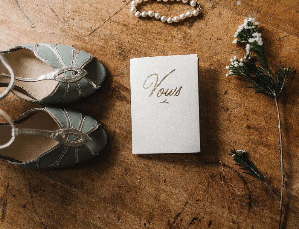 Intimate Portland Oregon wedding photographed by Jess Hunter, stylish air bnb in Portland for bride getting ready, creative Pacific Northwest photographer, BHLDN and Anthropologie wedding