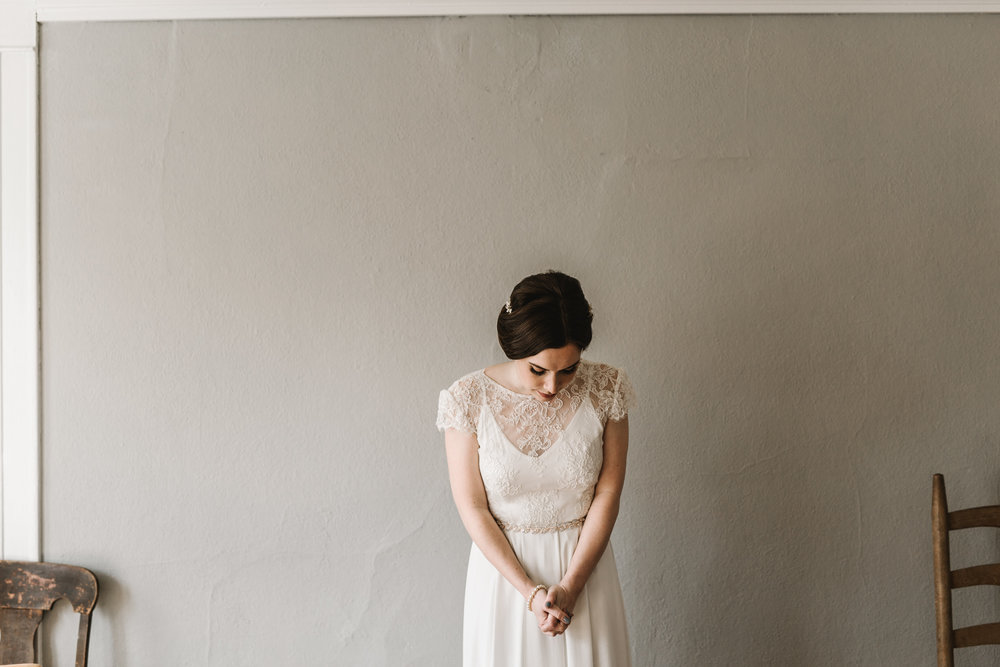 Intimate Portland Oregon wedding photographed by Jess Hunter, stylish air bnb in Portland for bride getting ready, Elder Hall wedding in Portland, Sarah Seven wedding dress, Anthropologie wedding