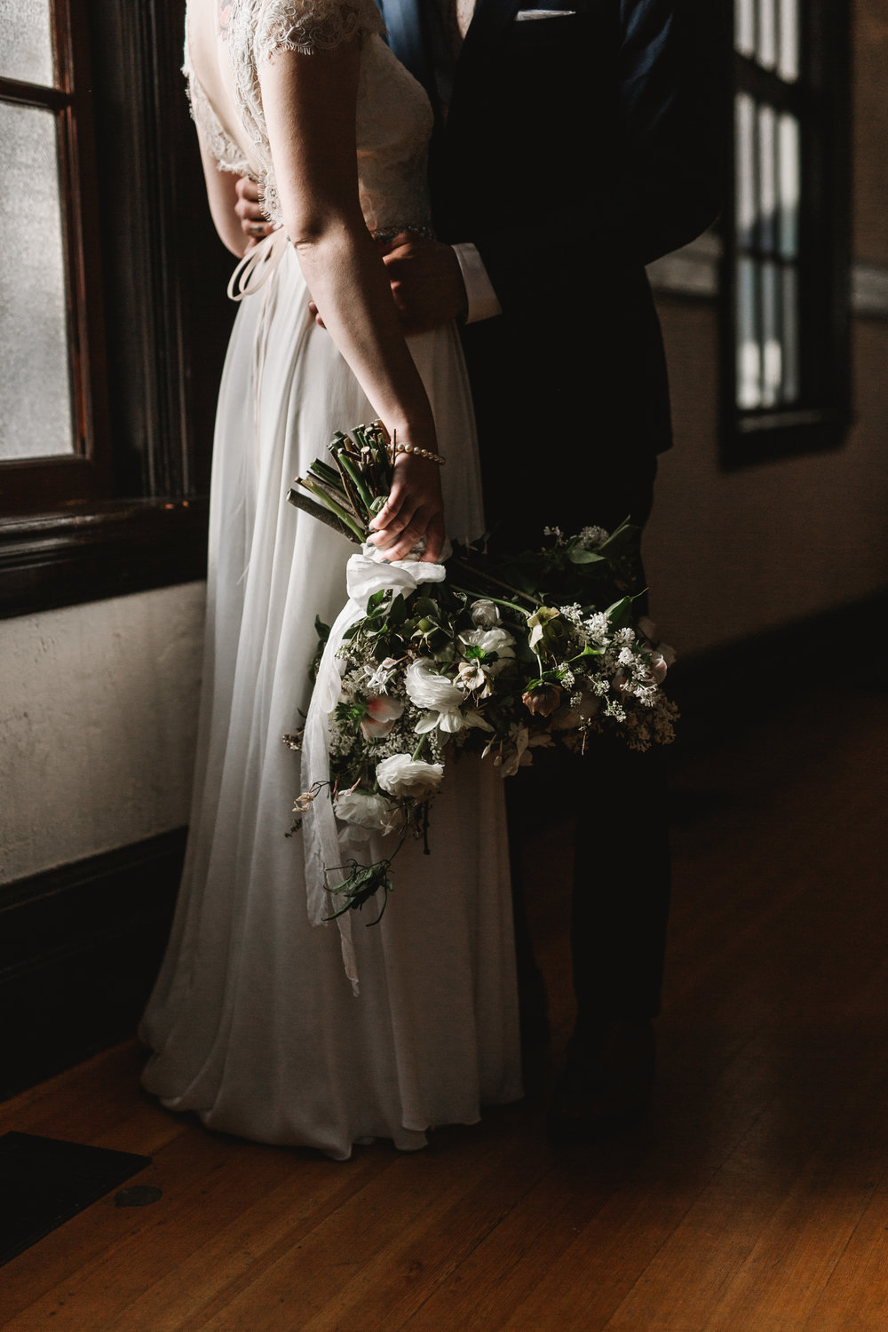 Intimate Portland Oregon wedding photographed by Jess Hunter, stylish air bnb in Portland for bride getting ready, Door of Hope wedding in Portland, Sarah Seven wedding dress, Anthropologie wedding, artistic bride and groom portraits