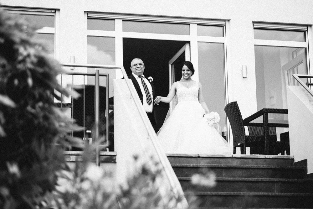 Hochzeitsreportage vogelsfotos Hofgut Donnerberg Rami  Patrick-033.jpg