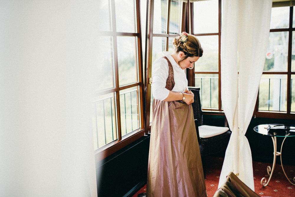 Hochzeitsreportage vogelsfotos destination Saalbach M&W-022.jpg