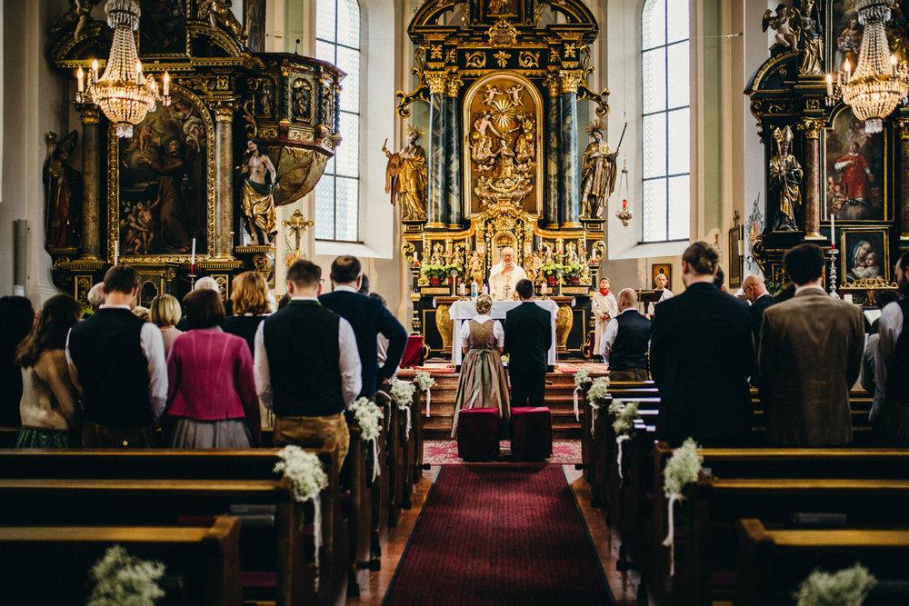 Hochzeitsreportage vogelsfotos destination Saalbach M&W-058.jpg