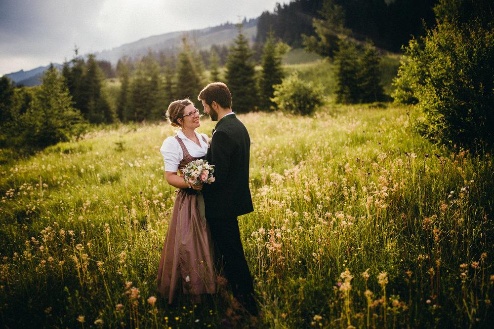 Hochzeitsreportage vogelsfotos destination Saalbach M&W-108.jpg