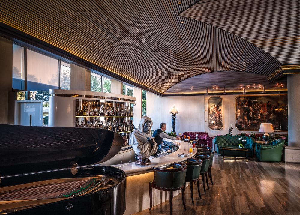 Rome Cavalieri - Tiepolo Lounge.jpg