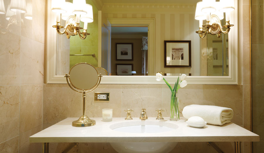 USA-Washington DC-Hay Adams-Bathroom.jpeg
