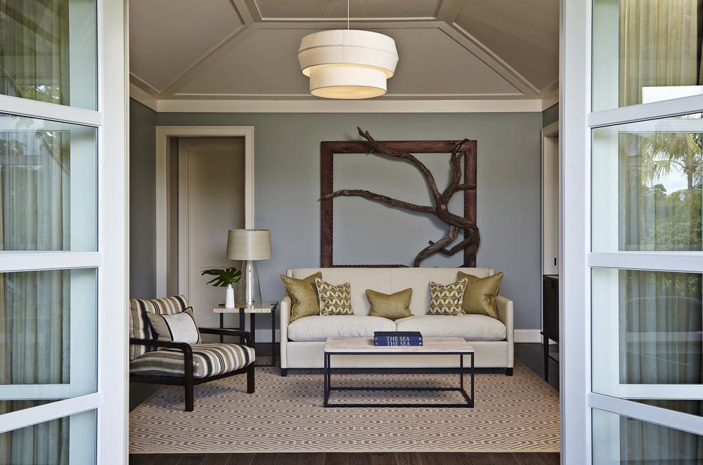 Island_House_Suite_Livingroom.jpg