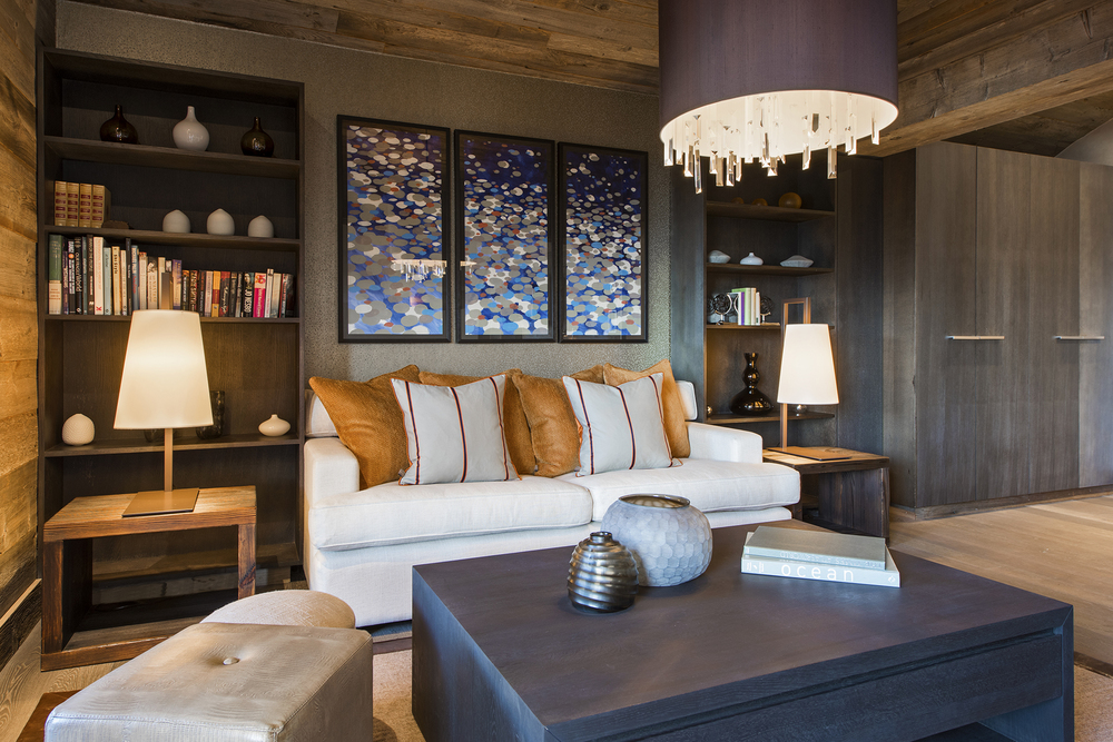 the-lodge-master-suite-2-lounge.jpg