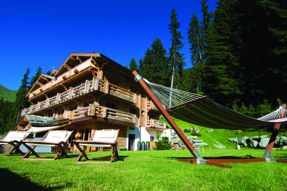 the-lodge-exterior-summer.jpg