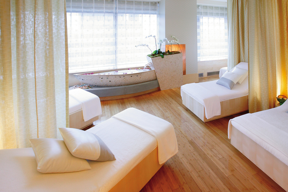 new-york-luxury-spa-relaxation-room.jpg