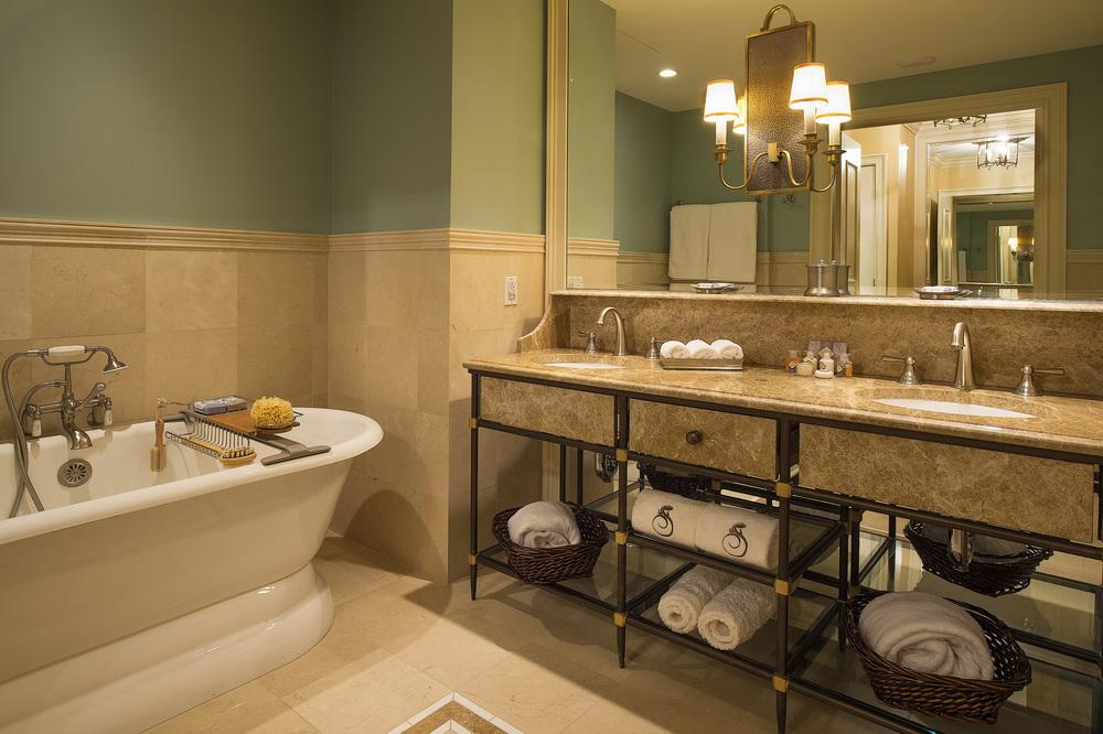 Salamander_Resort_-_Bathroom.jpg