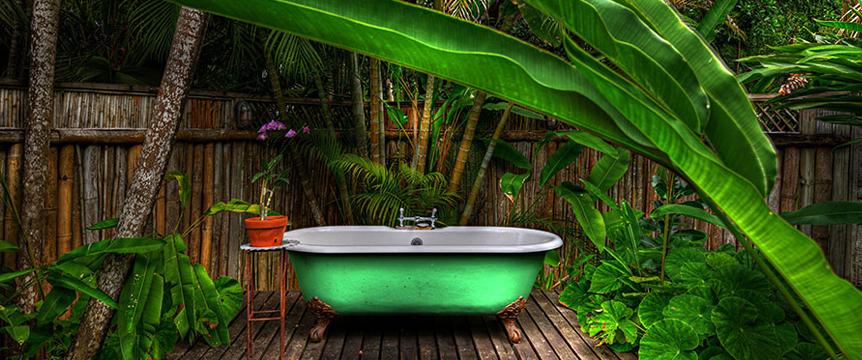 5-GoldenEye-Garden-Bath.jpg