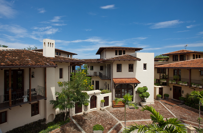 South_America_Costa_Rica_Las_Catalinas_Town.jpg