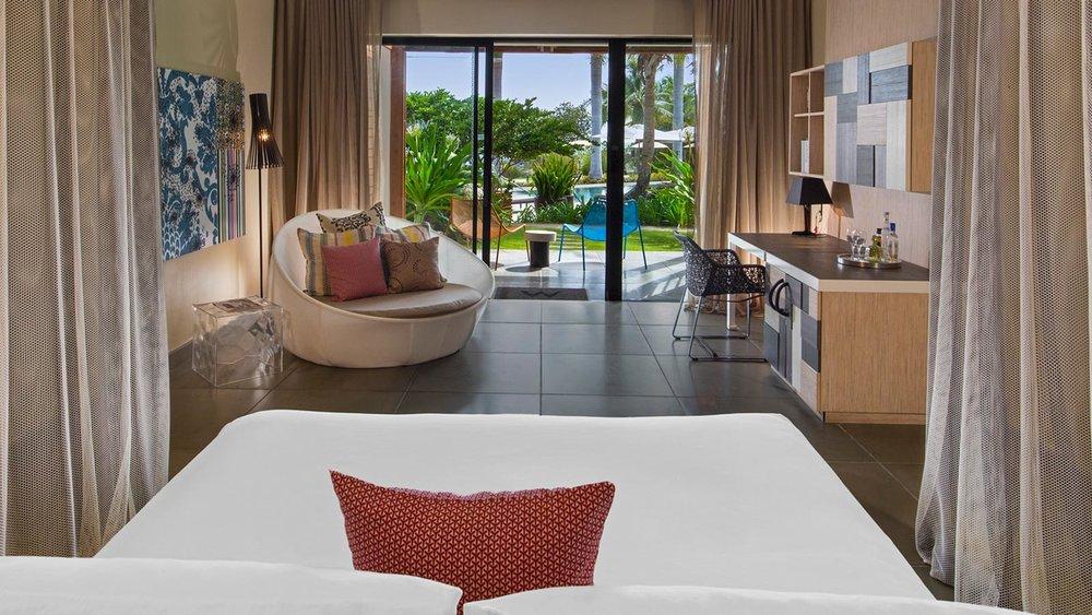 W-Vieques-Pool-Oasis.jpg