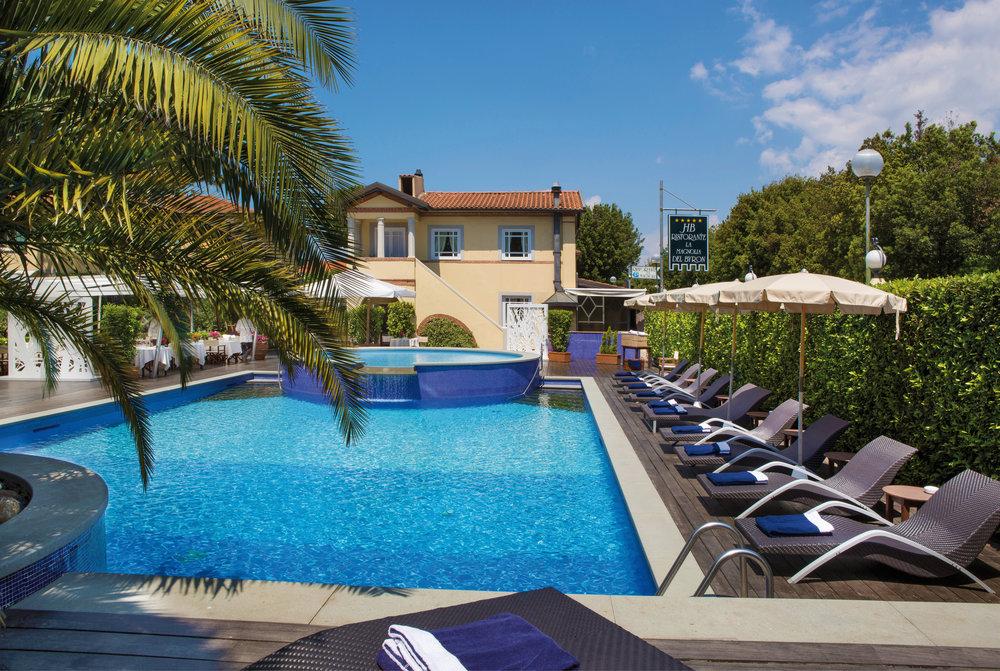 8891264_23_hotel_con_piscina_in_versilia.jpg
