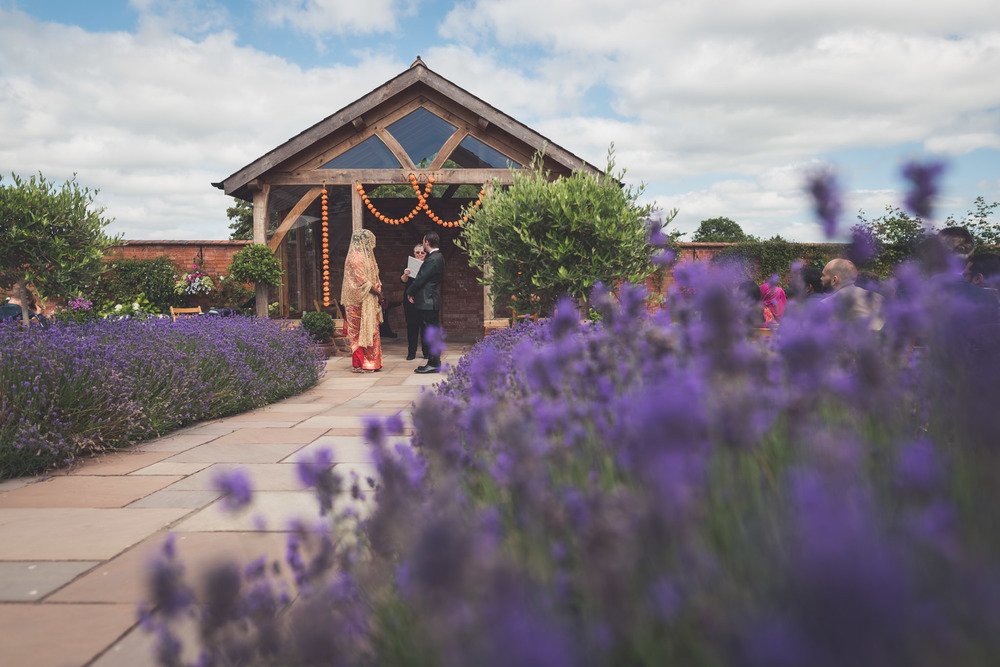 Upton Barn Wedding Photographer 8