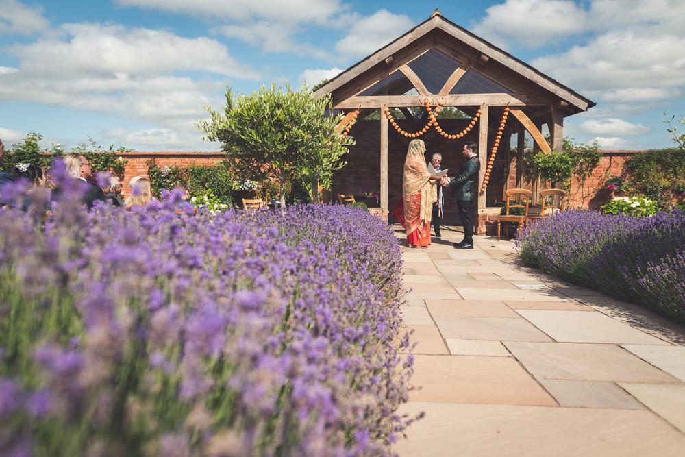 Upton Barn Wedding Photographer 12
