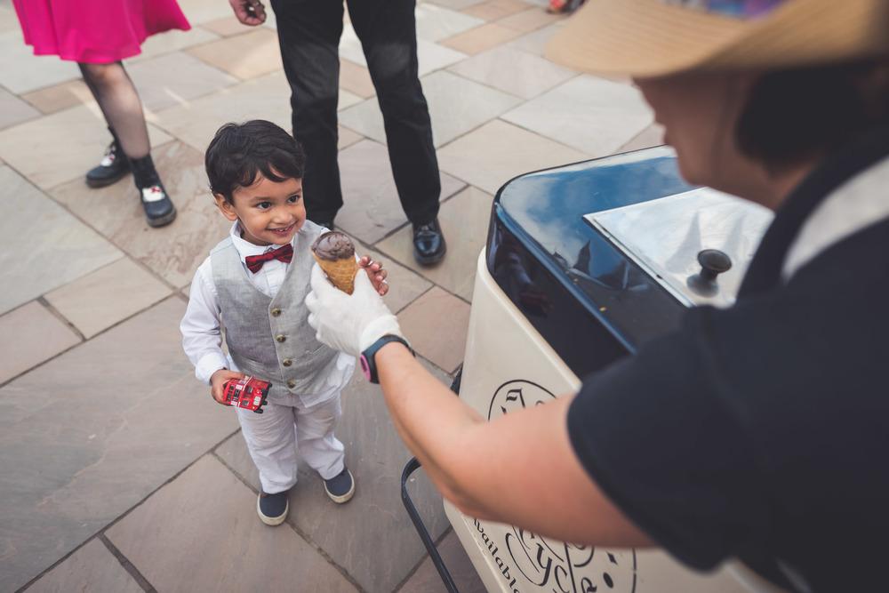 Upton Barn Wedding Photographer 19