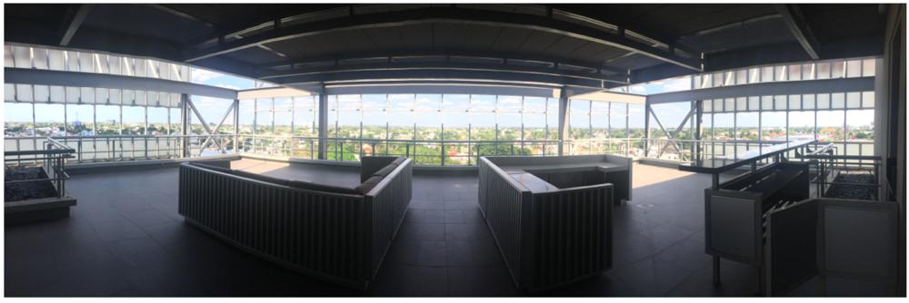 Increíble terraza con libre acceso.