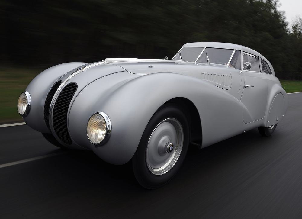 The BMW 328