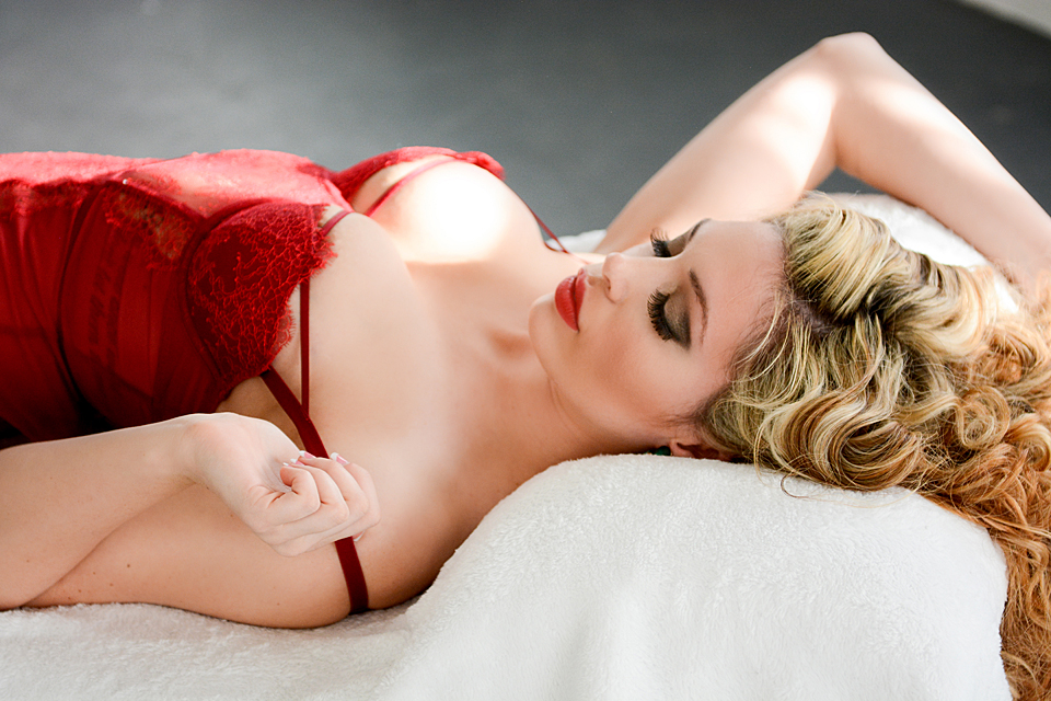 Dallas Boudoir, Jazzy Baptiste, Dallas Makeup Artist, Makeup for Blond Hair
