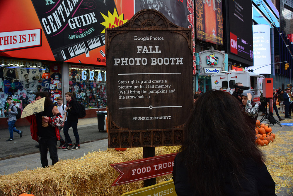 Visitors could take a seasonal selfie in our Fall Photobooth...
