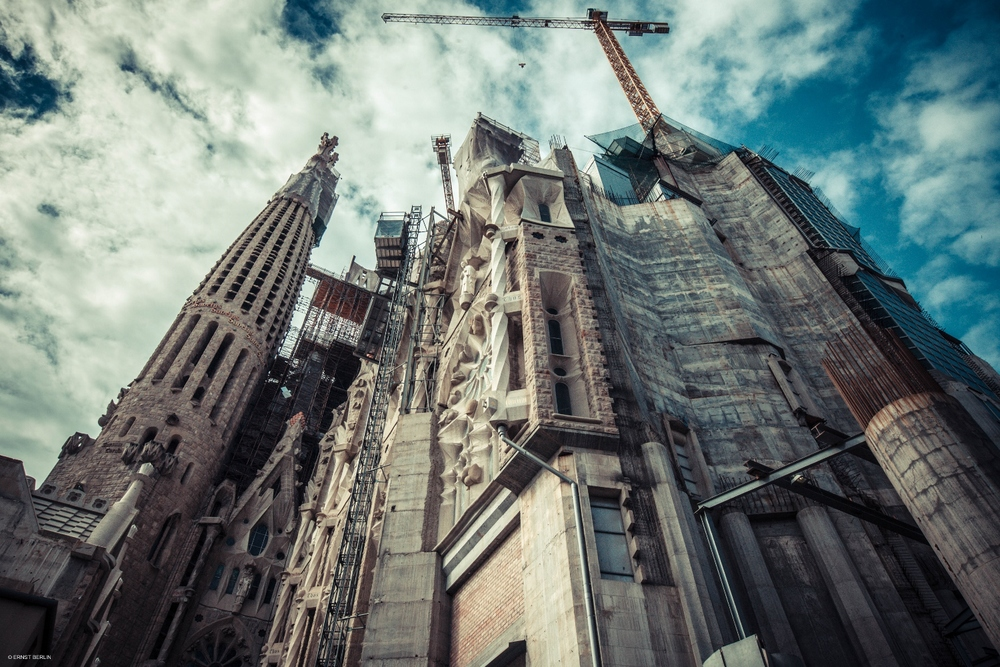 15-Sagrada Familia Under Construction (1500x1000).jpg