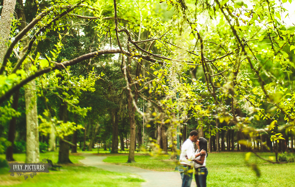 Boone Park Jacksonville Engagement session