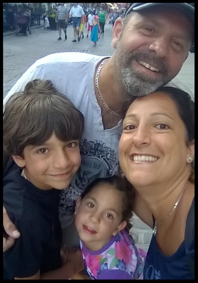 Family Photo-3 NINA MUELLER.JPG