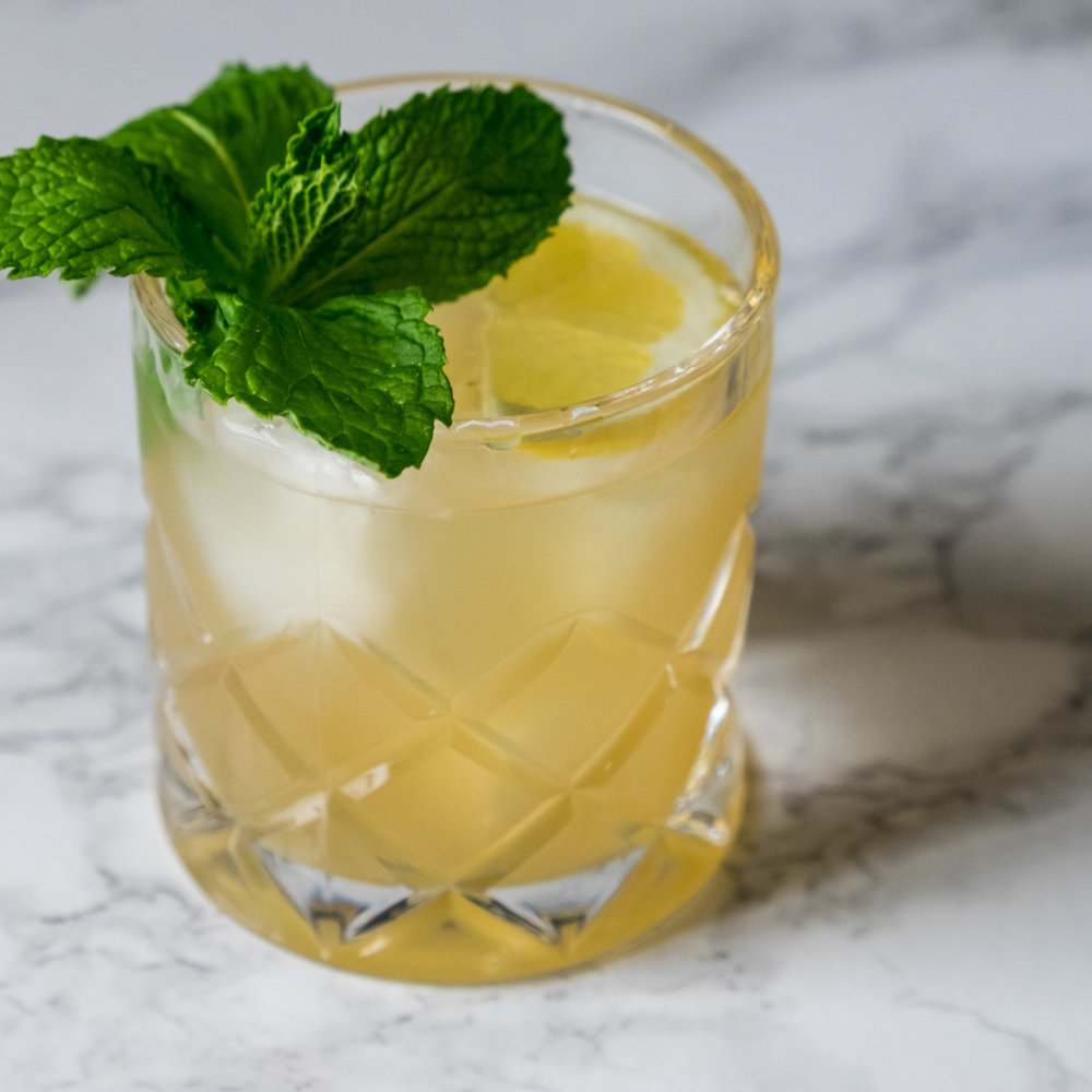WHISKEY & GINGER SMASH - Whiskey and ginger make for a wonderful mix.
