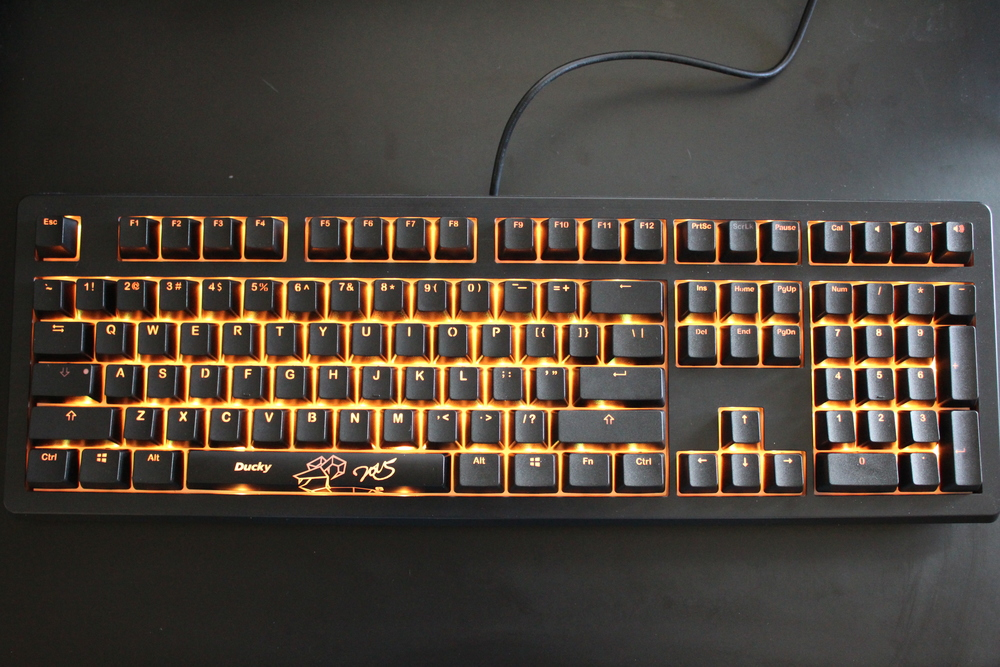 REVIEW] Ducky Shine 5 Backlit Mechanical Keyboard (Nature