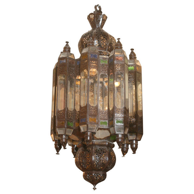 ori_310-34271-1545990-LARGE-MOROCCAN-LANTERN-WITH-3-LIGHTS-IN-THE-CENTER-SKU2294MP_5_07_355.jpg
