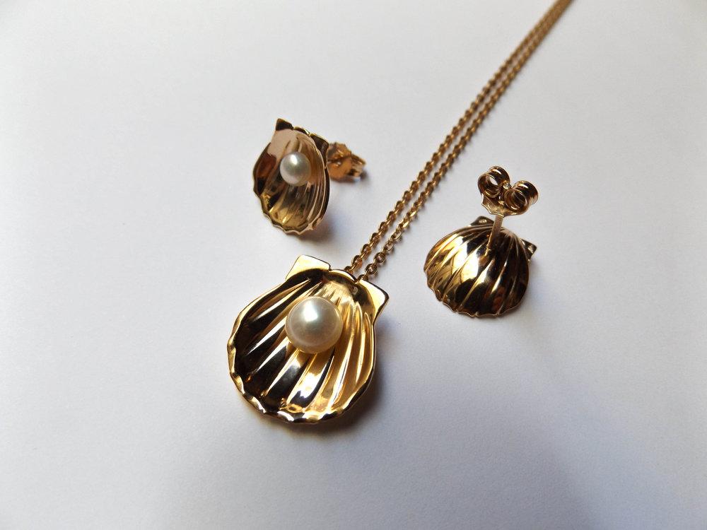 Perles, or 18 carat / Pearl, 18k gold